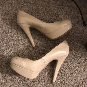 Guess nude heels size 6.5